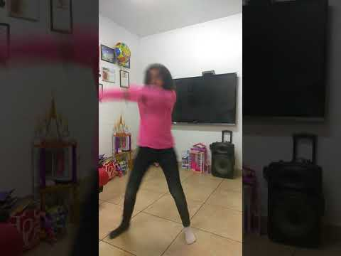 Omg me dancing to rockstar so embarrassing don't mind my ugly face at one part and my messy hair😂😂