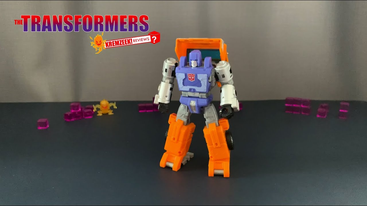 Transformers WFC Kingdom Huffer In-Hand Review by Kremzeek Reviews