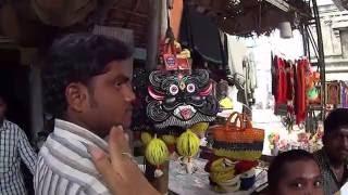 2. Тирупати. Храм Шивы. Лингам стихии воздуха. Магазин всё по 10 рупий (рублей).