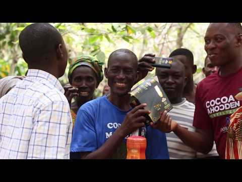 Ghana cocobod Sefw Bekwai Dist. cerebrates val's day with free distribution of chocolate to farmers