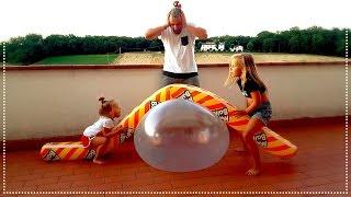 Надуваем огромные надувные шары !