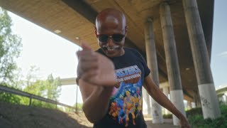 Antoine Burtz feat. Teddy Teclebrhan - Deutschland isch stabil (Official Music Video)