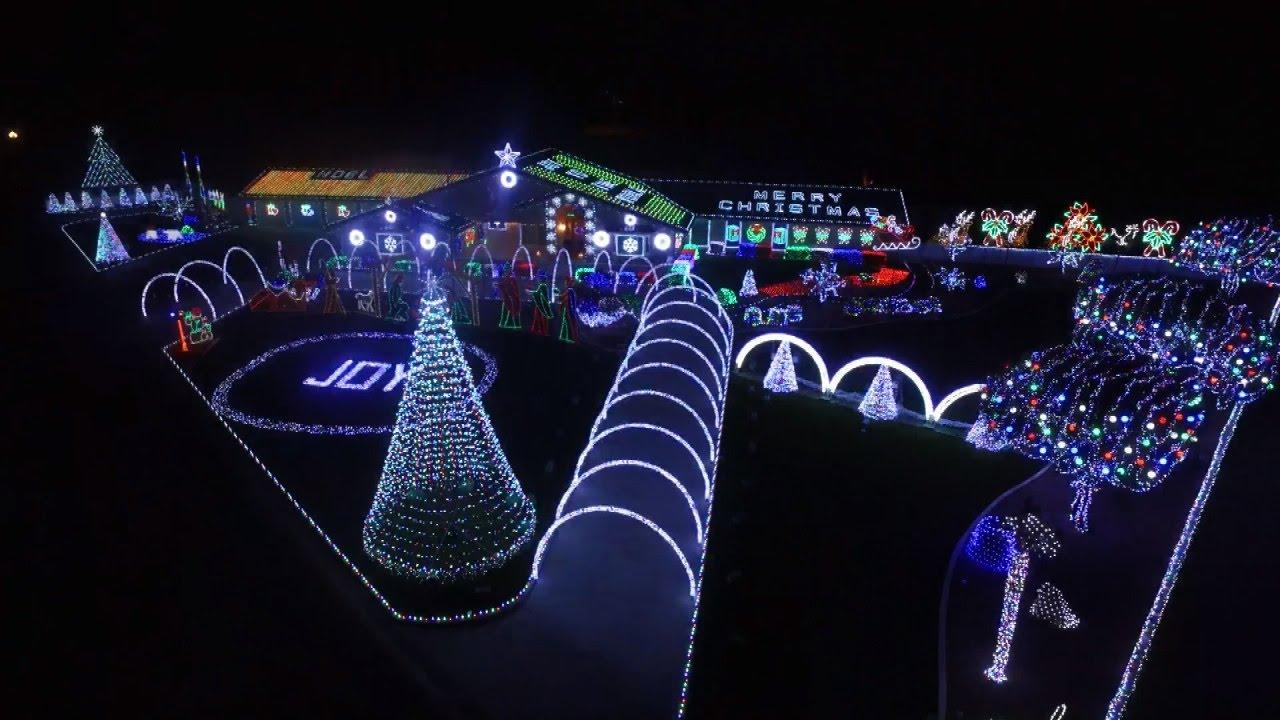 Christmas Light Displays Near Me.Extravagant Or Annoying Some Christmas Light Displays Driving Neighbors Bonkers