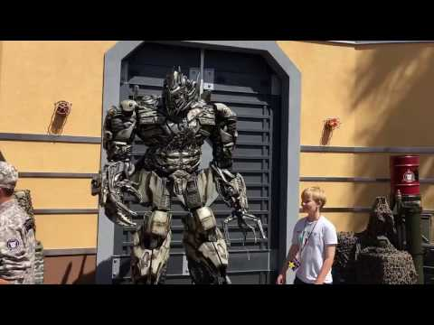 Megatron Calls Guests Tweedledum and Adds Children to Army Transformers Universal Studios
