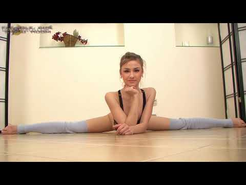 Flexible Girl Valentina Suvorina Show Studio
