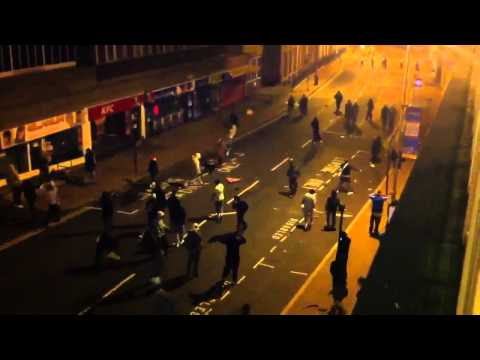 Riot police in Woolwich, London attacked 8th August 2011 - London Riot