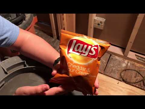 CHEESE CHEDDAR SOUR CREAM LAYS POTATO - Ang's food review