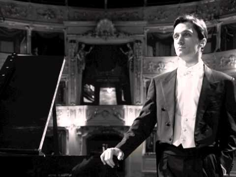 Alexander Romanovsky plays Beethoven's Diabelli Variations