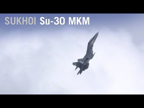 Sukhoi Su-30 MKM Fighter Shows Off Thrust Vectoring Maneuvers Over Singapore – AINtv