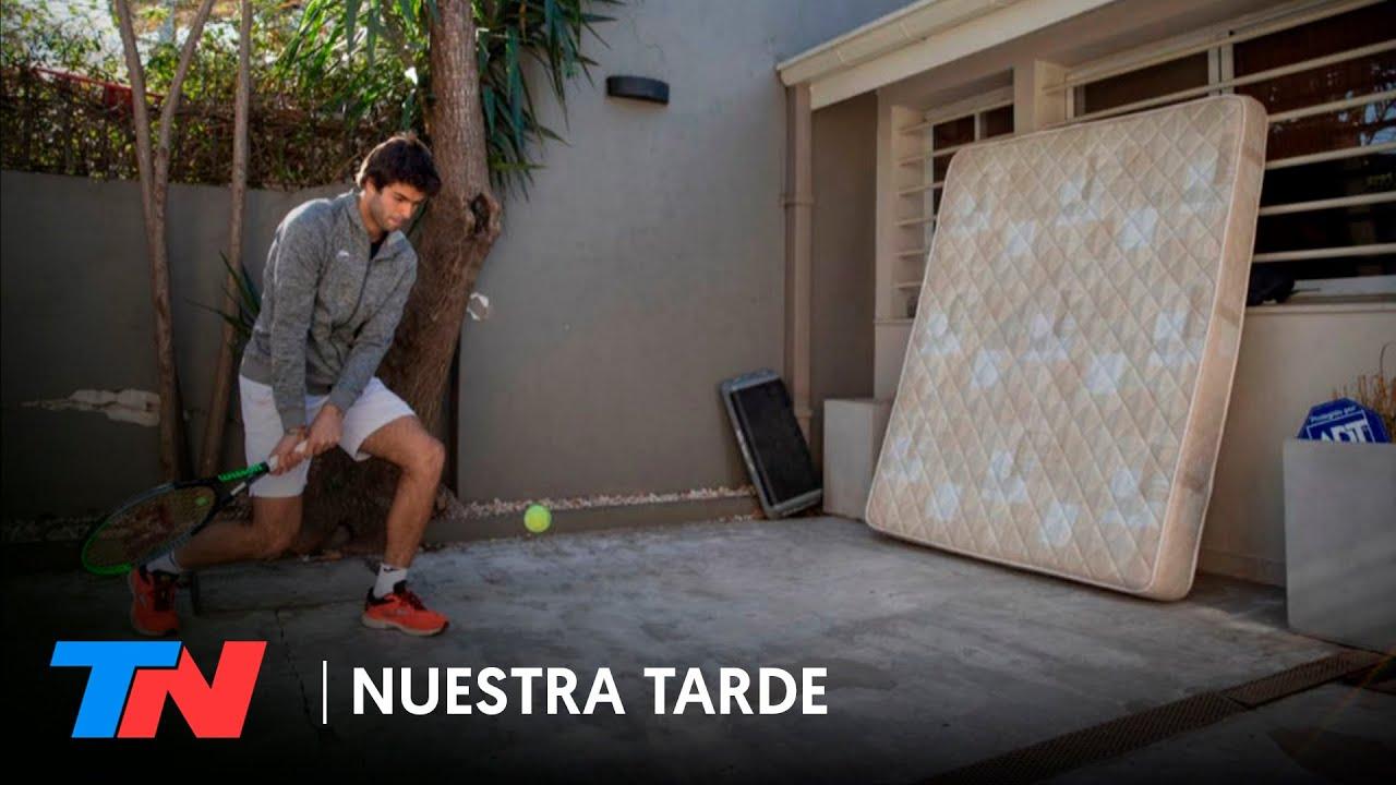 Facundo Díaz Acosta es una de las promesas del tenis argentino y entrena contra un colchón