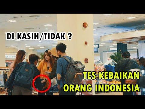 BULE MINTA BARANG ORANG INDONESIA - Social Experimen BangZizz Ft Ania Tomczak,Hena Satya