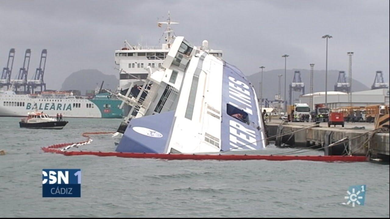 Ferry volcado por el temporal en el puerto de algeciras youtube - Puerto de algeciras hoy ...