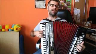 Czerwone i bure-akordeon
