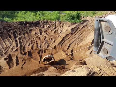 Liebheer dragline crane 8100 hs dry mining in Iowa