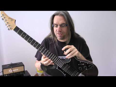 Eure 5 Minuten: Kann man eine Rechtshändergitarre einfach linksherum spielen?