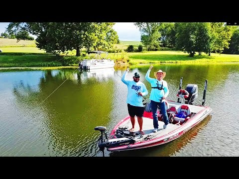 Bass Fishing A PRIVATE LAKE In Missouri!