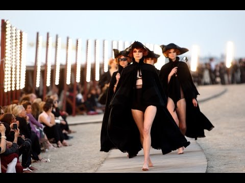 Chanel | Cruise 2010 Full Fashion Show | Exclusive