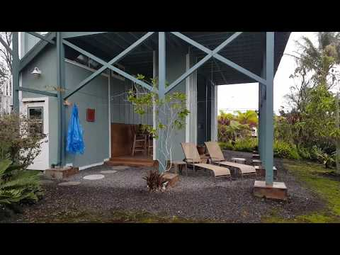 We Rented this amazing Hawaiian Beach House in Pahoa