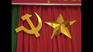 Bùi Văn Chợ Lễ trao huy hiệu 50 nam tuổi đảng