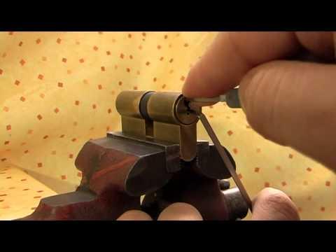 Lock Picking - minikurz otvírání zámků bez klíče.