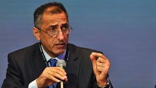 مدحت الشريف يرد: تصريحات طارق عامر عن انتهاء الأزمة الاقتصادية تفتقد الشفافية