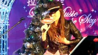 YT 葉慧婷  -垃圾  ( Candy  Lo  )  @  LIVE  Stage  Langham  Place  (1-12-2011 )