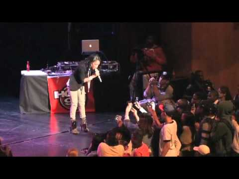 Singersroom.com: Tiffany Evans - I'll Be There (Live)