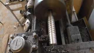 Карабин для собачки на токарном - часть 1 - обдирка арматуры