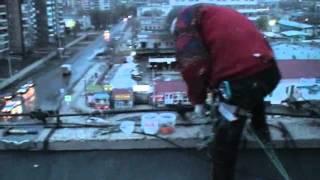 Монтаж рекламного баннера. Челябинск. ЧТЗ(, 2012-04-06T20:04:40.000Z)