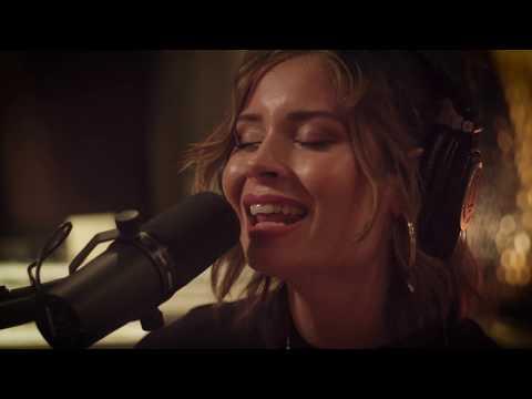 Nina Nesbitt - Loyal To Me (Acoustic) - In The Studio