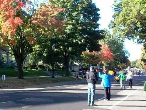 Twin Cities Marathon 2011, The 10 Mile Run   Video 1