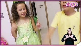 👋🏻 LIBRAS 👋 Valentina Pontes finge ter um novo irmão bebê ★ شفا دخلت البيبي السجن !