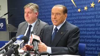"""Berlusconi: """"Ottimi rapporti con Merkel, ci sostiene"""""""