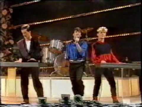 Canton - Sonnambulismo (live a Sanremo 1984).mpg