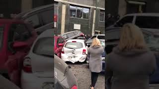 В Киеве КамАЗ без тормозов снес два десятка авто, 23.10.2018