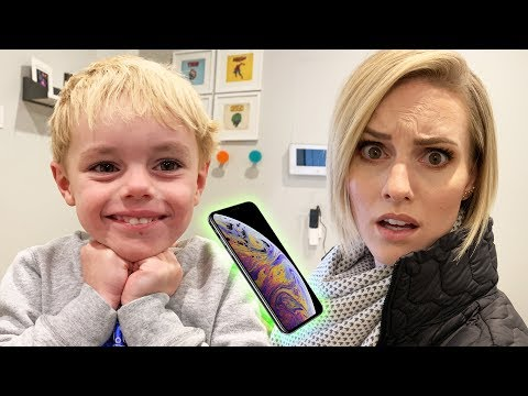 I Want An iPhone For Christmas! | Ellie And Jared