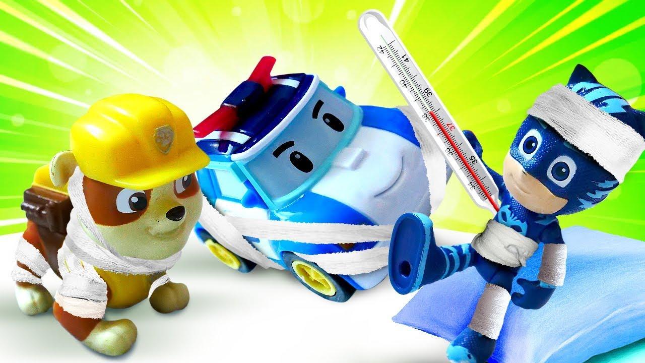 Игрушки из мультфильмов в Клинике Игрушек у Куклы ЛОЛ. Машинки Робокар Поли и Молния Маквин заболели