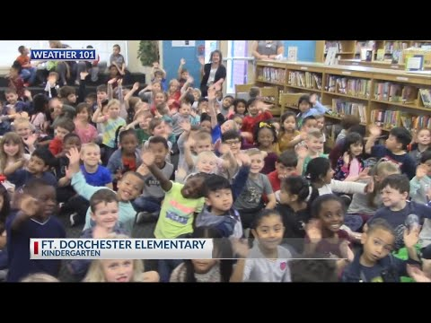 Rob Fowler visits the Kindergarten Students at Fort Dorchester Elementary School
