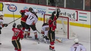Gotta See It: Flames torch Bernier for 5 goals in the second