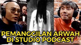 PARANORMAL EXPERIENCE - ADA MAYAT DI DALAM DINDING STUDIO GUE!! - ROY KIYOSHI