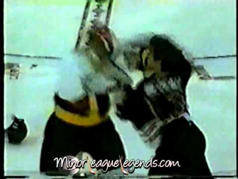 Andy Bezeau vs Ray Edwards Niagara Falls Thunder vs Owen Sound Platers OHL