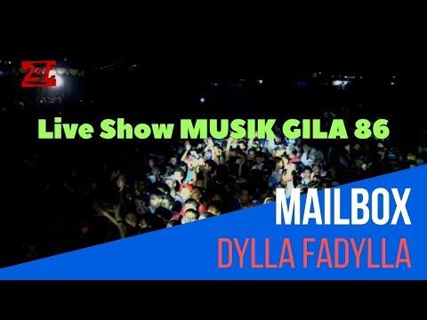 MG 86 | Dylla Fadylla - Mailbox | Live Show Hut Kostrad 57  di Yonif 411 Salatiga