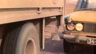 Двойной обгон (1984) - car chase scene #1