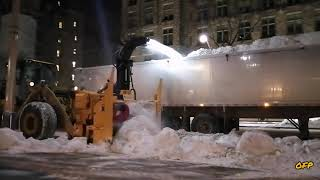 Snow Removal Operation #2 infront of parlement hill.