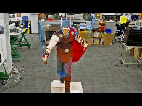 Thor Life-size Model - LEGO Marvel Super Heroes - Time Lapse
