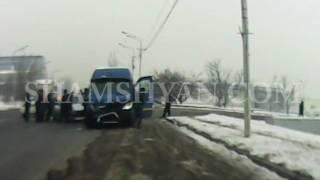 ԲԱՑԱՌԻԿ ՏԵՍԱՆՅՈՒԹ՝ Երևանում ինչպես է Opel ը մխրճվում Mercedes Sprinter ի մեջ