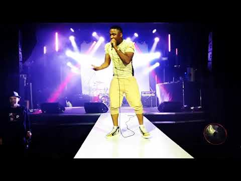 Canadian artist Blow_flyy Rawartists Showcase Festival Toronto   Aug 15 2019. MOD Club(vidclip #1)