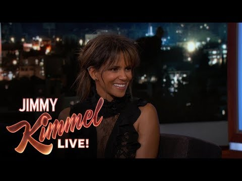 Halle Berry Was a Terrible Bartender