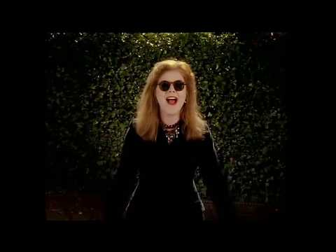 KIRSTY MacColl INNOCENCE Extended Video