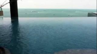 Как устроен бассейн на крыше(показано на видео., 2012-01-11T06:02:29.000Z)